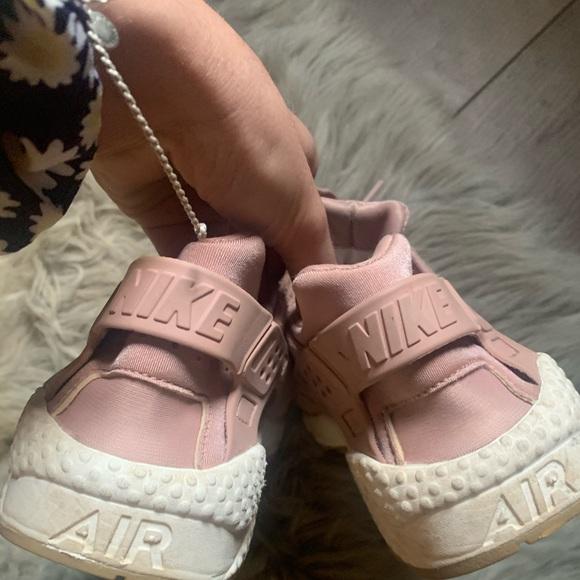 Baby Pink Nike Huaraches   Poshmark
